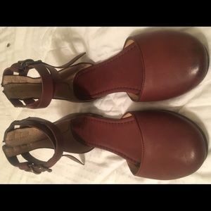Frye Carson Knotted Ballet Flats. 9.5